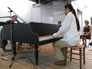 Yuji piano